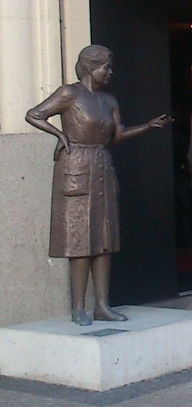 Heidi Kabel-Statue